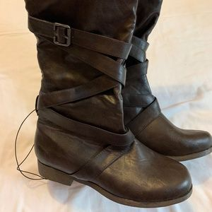 NEW Forever 21 Faux Leather Boots - Size 8